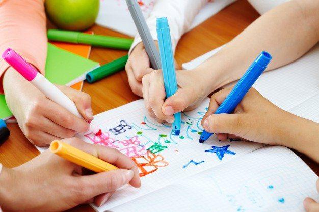 Criança curso desenho